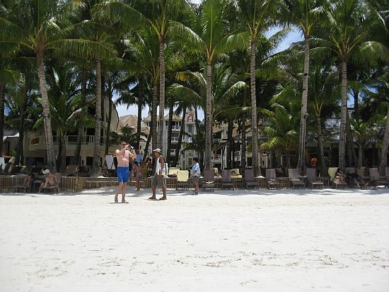 Ambassador in Paradise Resort: View on entrance at beach
