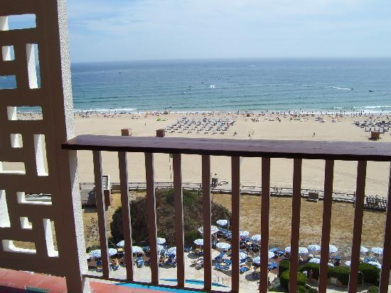 Hotel Algarve Casino: Beach view from bedroom