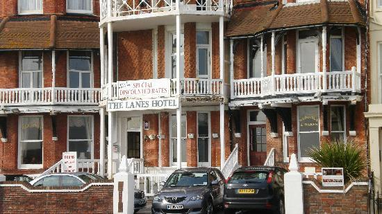 The Lanes Hotel : Hotel front