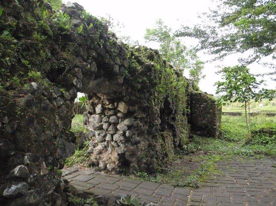 Legazpi, Philippines: ruins 2