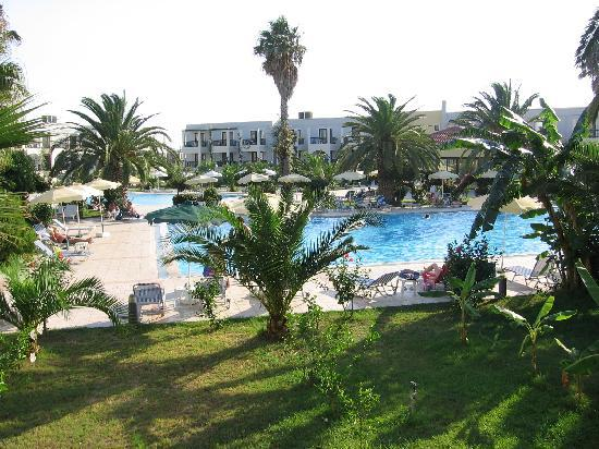 Tigaki Beach Hotel: View from our balcony