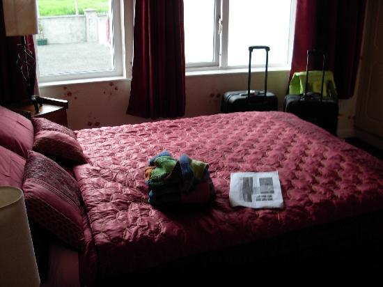 Ardlenagh View: bedroom