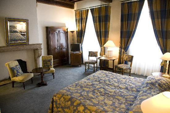 Chagny, Francia: vue d'une chambre