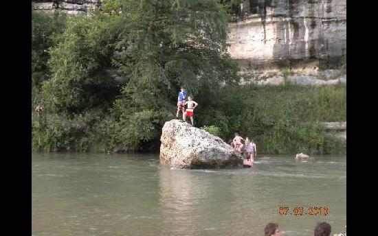 Spring Branch, TX : The Jumping Rock