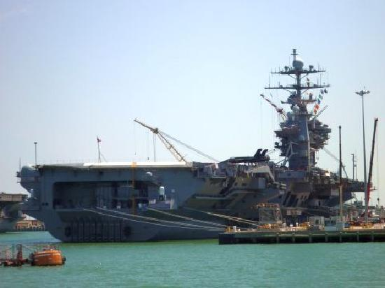 Naval Station Norfolk: US Carrier
