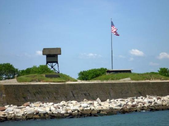 Naval Station Norfolk : Fort Wool