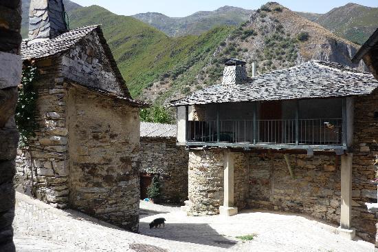 Lillo del Bierzo, Hiszpania: Peñalba de Santiago