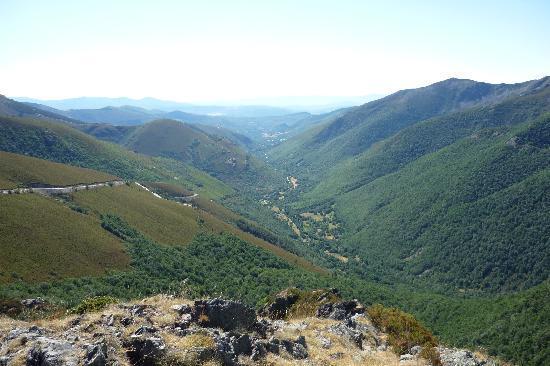 Lillo del Bierzo, Hiszpania: Mirador de Balouta
