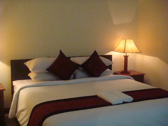 Skyway Hotel: Double Bed