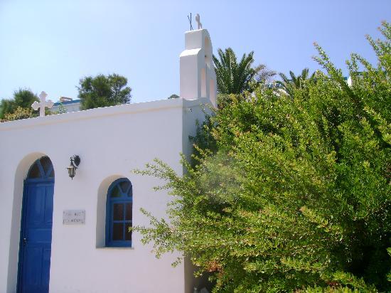 Dolphin Bay Family Beach Resort: Small church at the hotel