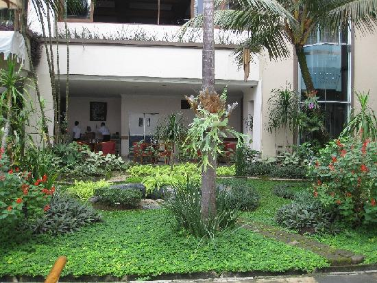 Jayakarta Boutique Suites, Hotel & Spa: Garden