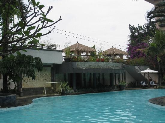 The Jayakarta Suites Bandung, Boutique Suites, Hotel & Spa: Pool