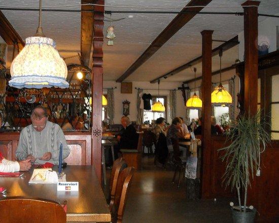 Gasthaus Ammertaler Hof: Restaurant in Gasthaus Ammertalerhof