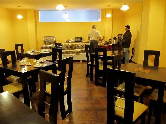 Mosoq Inn: Breakfast room
