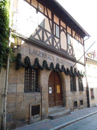 Klosterbrau Bamberg Gaststatte : Das alte Sandsteingebäude mit einer der ältesten Brauerei Bambergs
