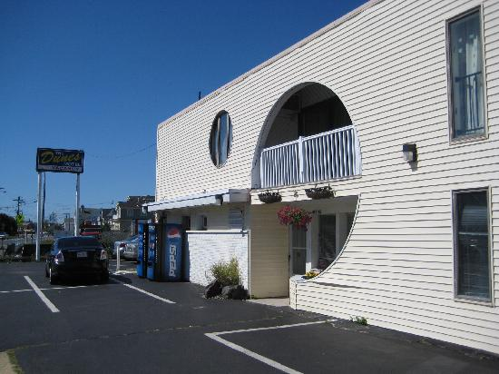 Dunes Motel: front of the hotel