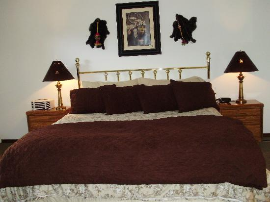 Village Lodge: King bed Presidential