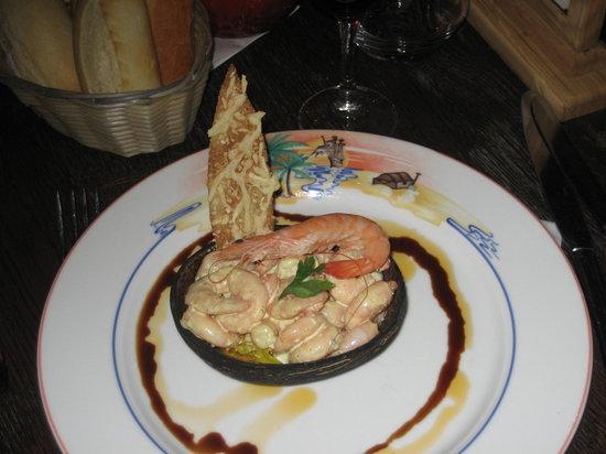 Blue Lagoon Restaurant - Disneyland Paris : Prawn Cocktail starter.