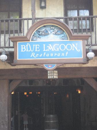 Blue Lagoon Restaurant - Disneyland Paris : Front entrance to Blue Lagoon.