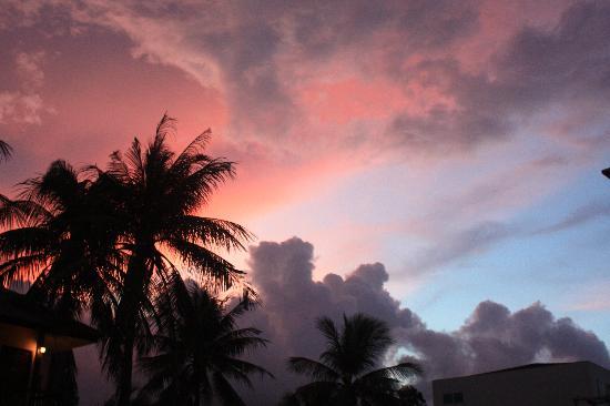 เอเวอร์กรีน รีสอร์ท: tramonto dalla terrazza