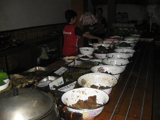 Nasi Bancakan: Get your own food