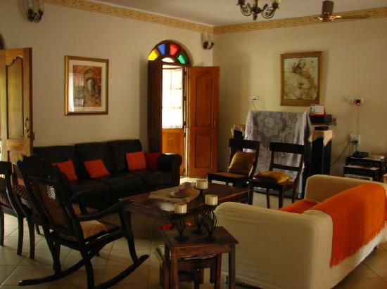 ستين جلاس كوتيدج: comfortable living area