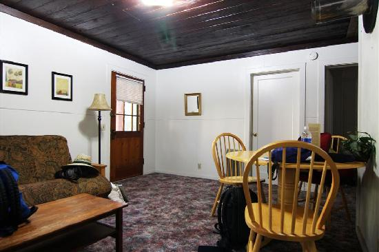Prospect, Oregón: Living room, cabin 22