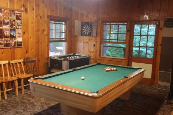 Union Creek Resort: Recreation room in main lodge