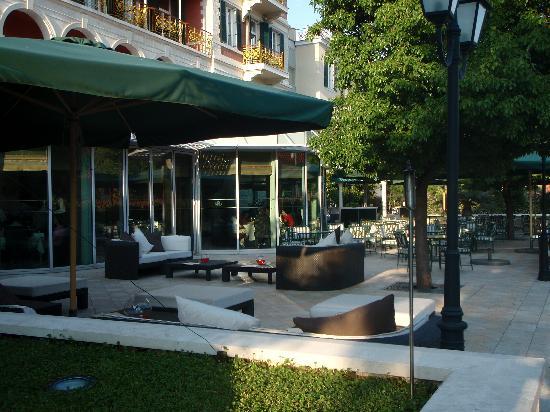 Hilton Imperial Dubrovnik: Terrace area