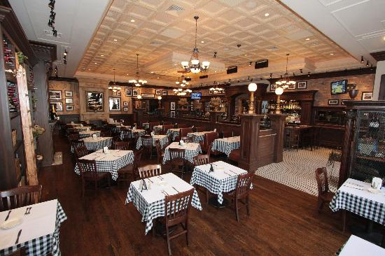 Donovan's Grill & Tavern: beautiful dining
