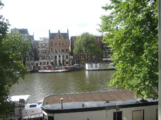 Amsterdam House Hotel: View from our bedroom window