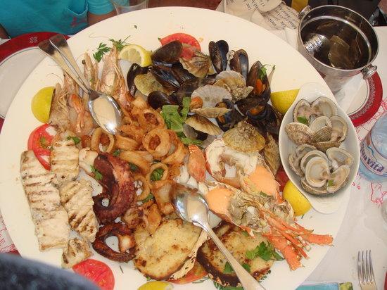 Mama Sofia's: The Seafood Plate - Superb!