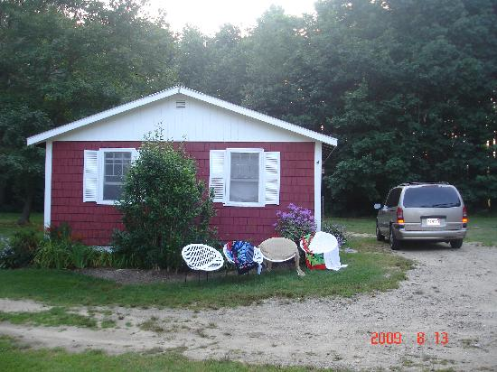 ‪‪Scarborough‬, ‪Maine‬: One of the cabins with easy parking.‬