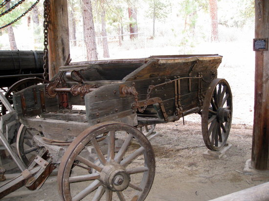 Collier Memorial State Park : Collier Logging Museum - old wagon