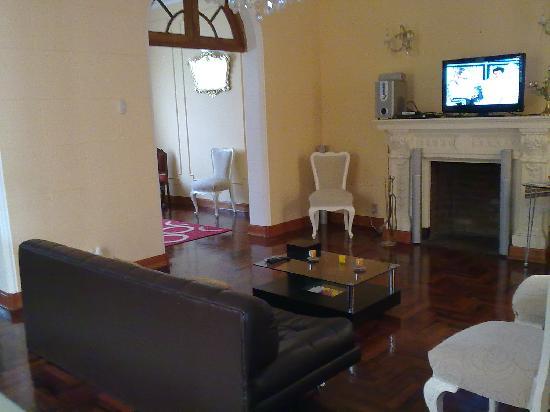 Delikatessen Home Hostal : Living room
