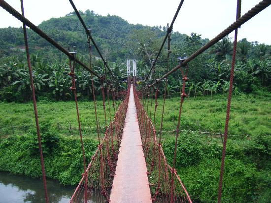 Puerto Galera, Filipina: hanging bridge