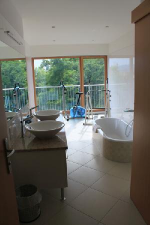 Hotel Zum Goldenen Engel: bathroom