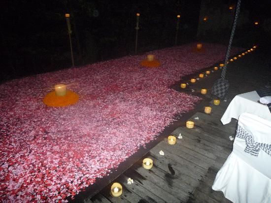Komaneka at Bisma : Flower Pool Villa