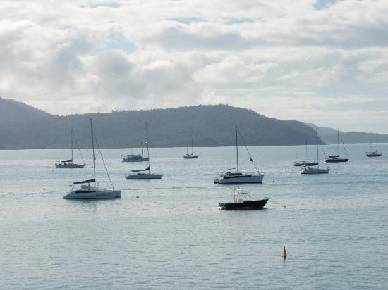 Peninsula Airlie Beach: View across Marina