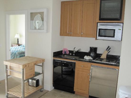 Cliffside Resort Condominiums: Kitchen area
