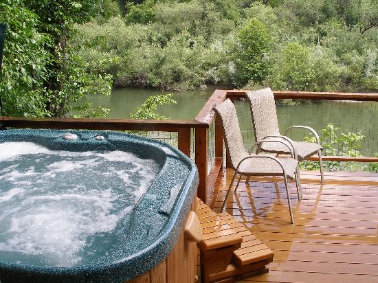 Wine Country Lodges: Relax on Riverside Decks