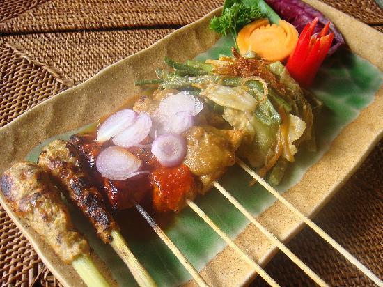 Restaurant AYA: SATE CAMPUR