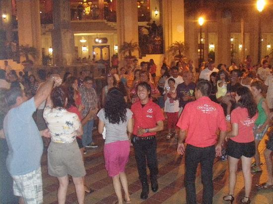 Hotel Riu Vallarta: Night Party