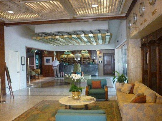 Al Bustan Hotel & Spa: Al Bustan lobby