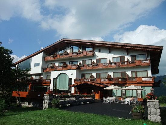 Hotel Grand Phenix Okushiga : ホテル 外観