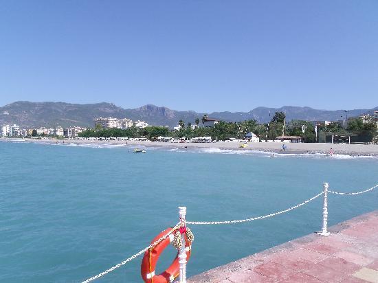 Alantur Hotel : vue du ponton : plage