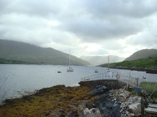 Sleepzone @ The Connemara Hostel : Vue du fjord, à 20 secondes de l'auberge
