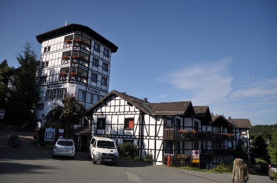 Dorint Hotel & Sportresort: Traditional, functional and a nice place to stay at.