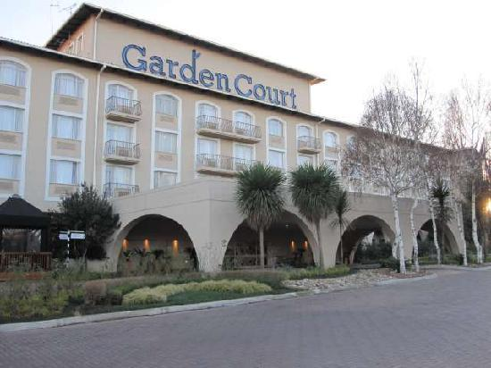 Garden Court O.R. Tambo International Airport: Aussenansicht