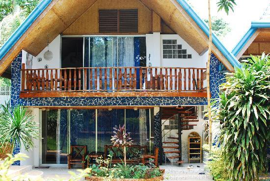 Princess of Coron: Our room (the bottom unit, the top unit is used by the owner)